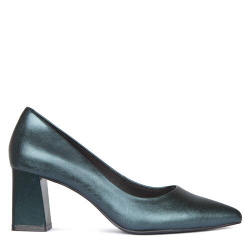 Зеленые туфли из кожи-металлик. 9 990₽