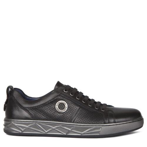 Черные кроссовки с перфорацией. 8 990₽